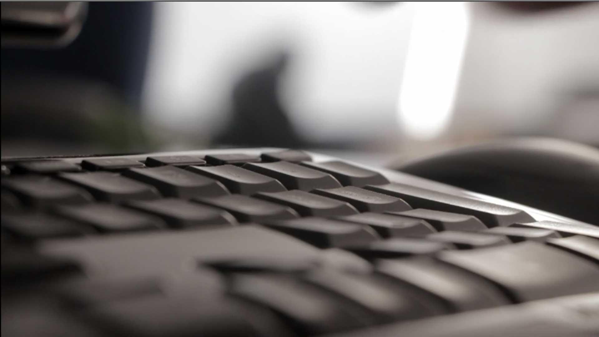 SOS PC – Venda Upgrade e Reparação de material informático. Recuperação de dados e Webdesign.